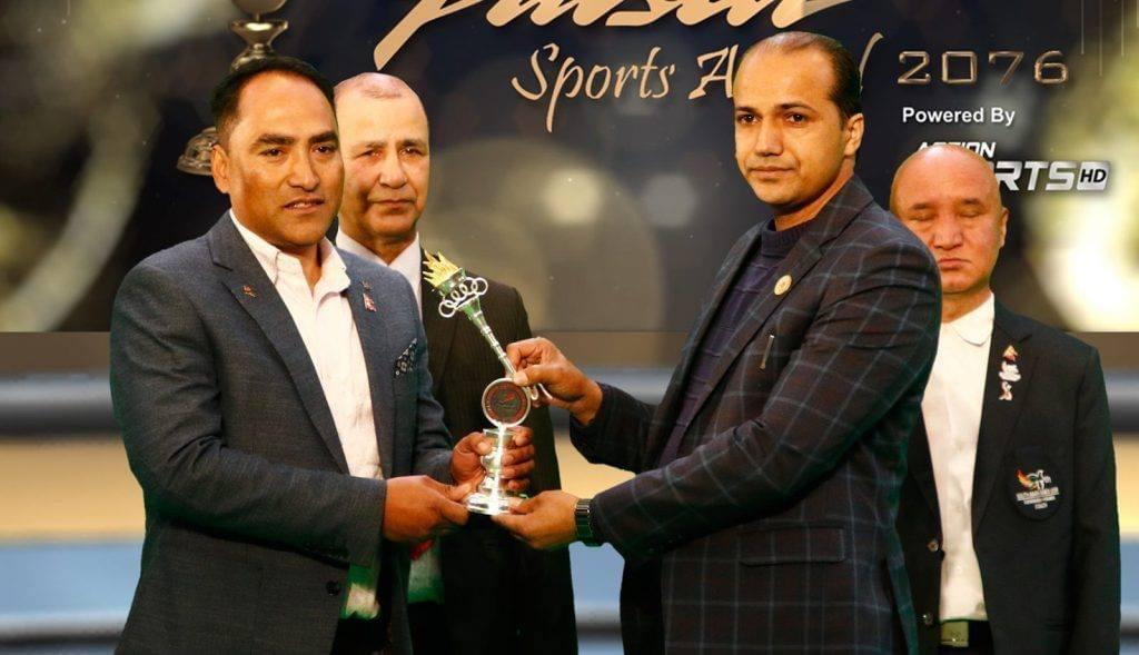पल्सर स्पोर्टस अवार्डको उत्कृष्ठ प्रशिक्षक तेक्वान्दोका नवीन